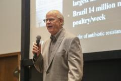Produção livre de antibióticos ganhou destaque na conferência científica do Poultry Science Association
